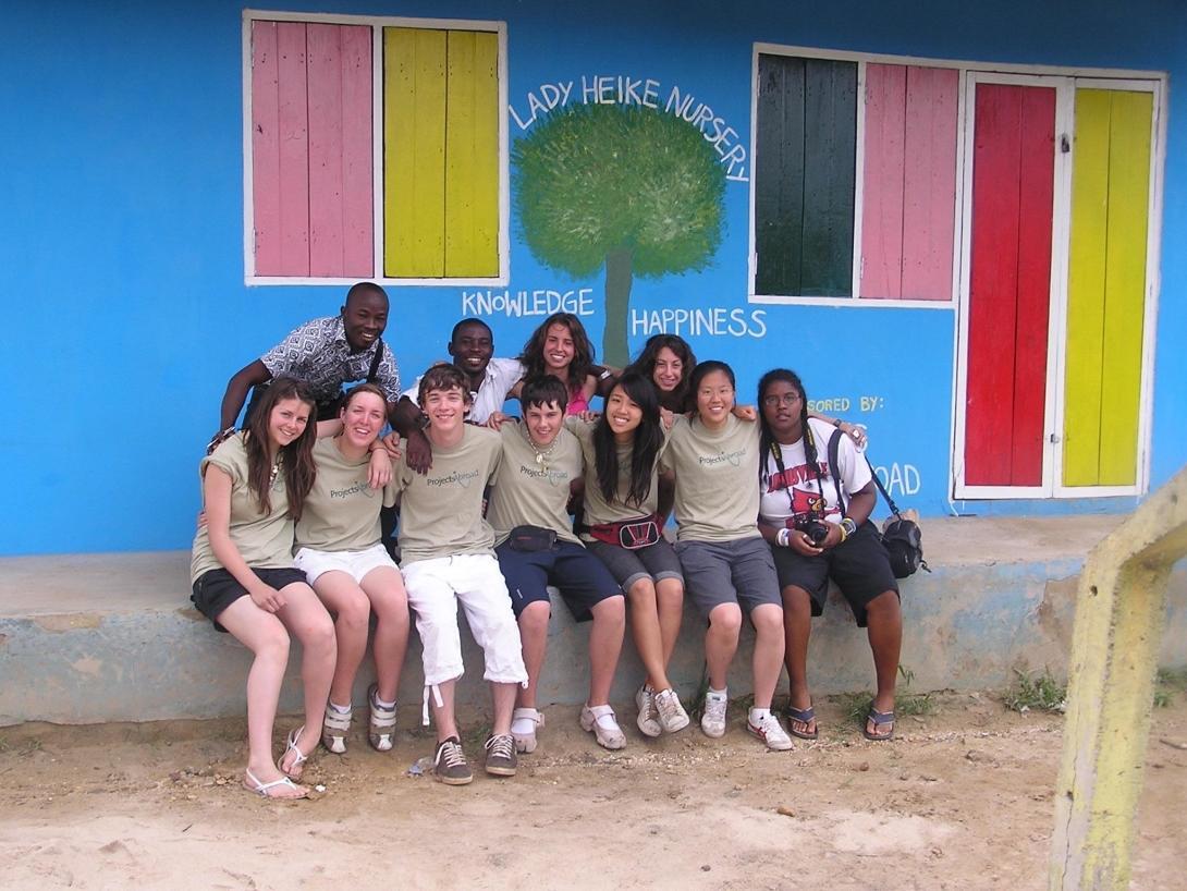 Foto grupal de voluntarios en Ghana.